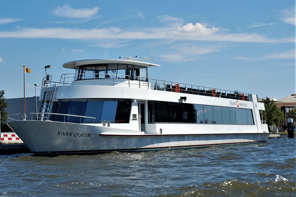 River Queen op het water