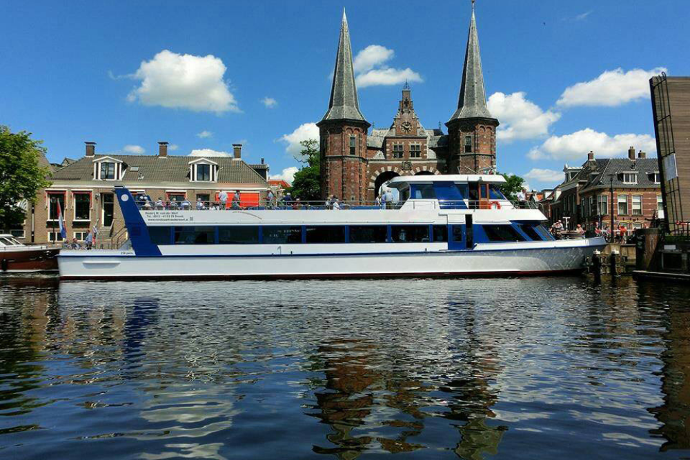 River Princess aan de kade