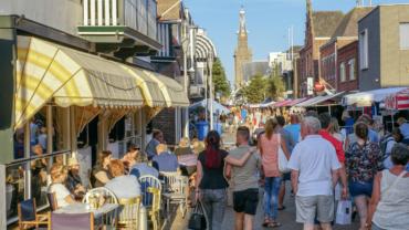 Bezoek de toeristenmarkt van Katwijk met ons